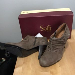 Brand new Sofft Suede Booties size 8